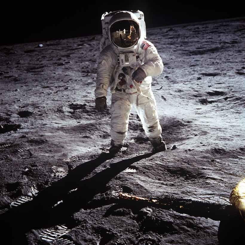 moon-landing-apollo-11-nasa-buzz-aldrin-41162.jpeg